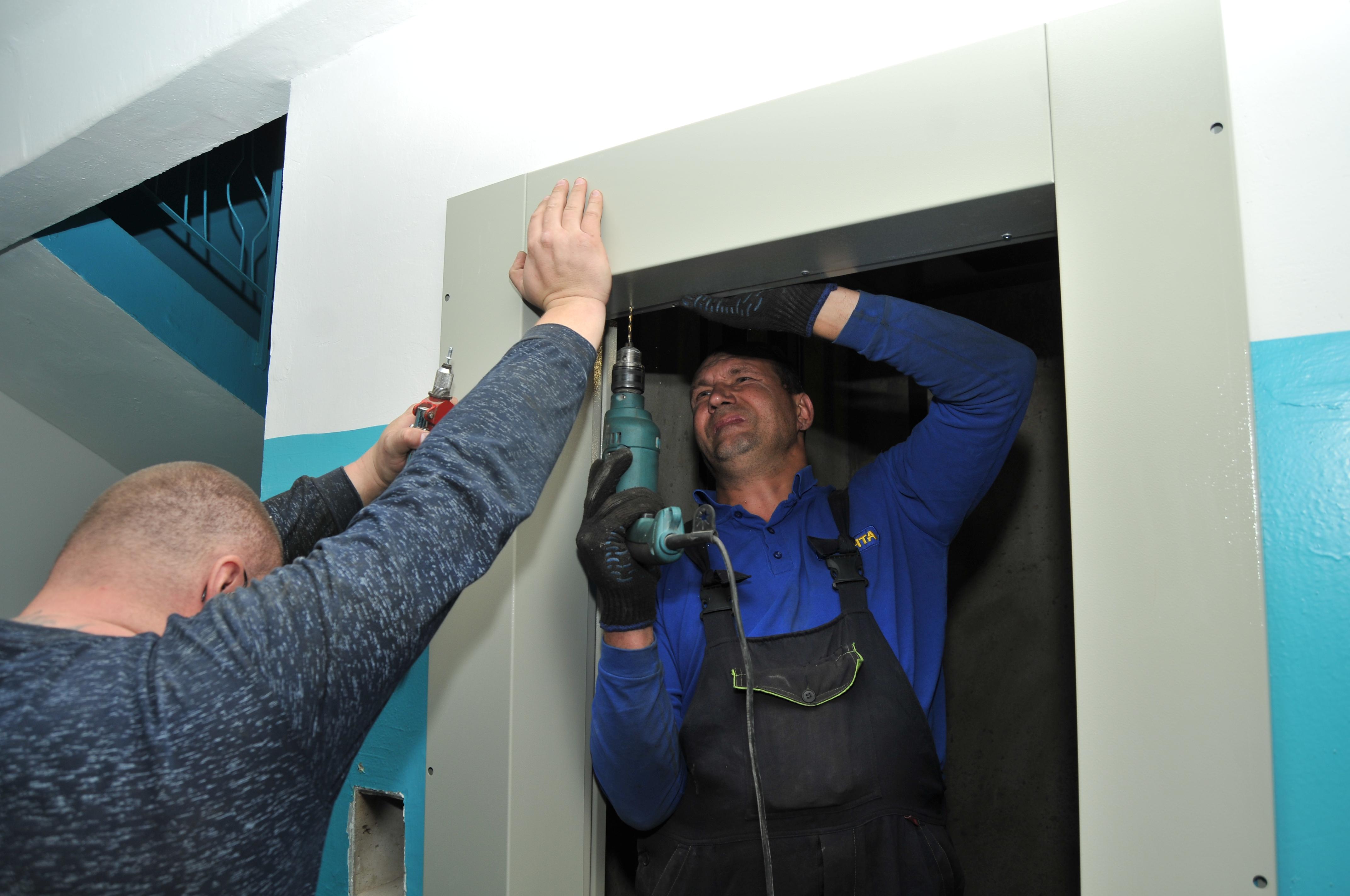 Управляющая компания «Потенциал» добилась переноса капремонта лифтов на ранний срок