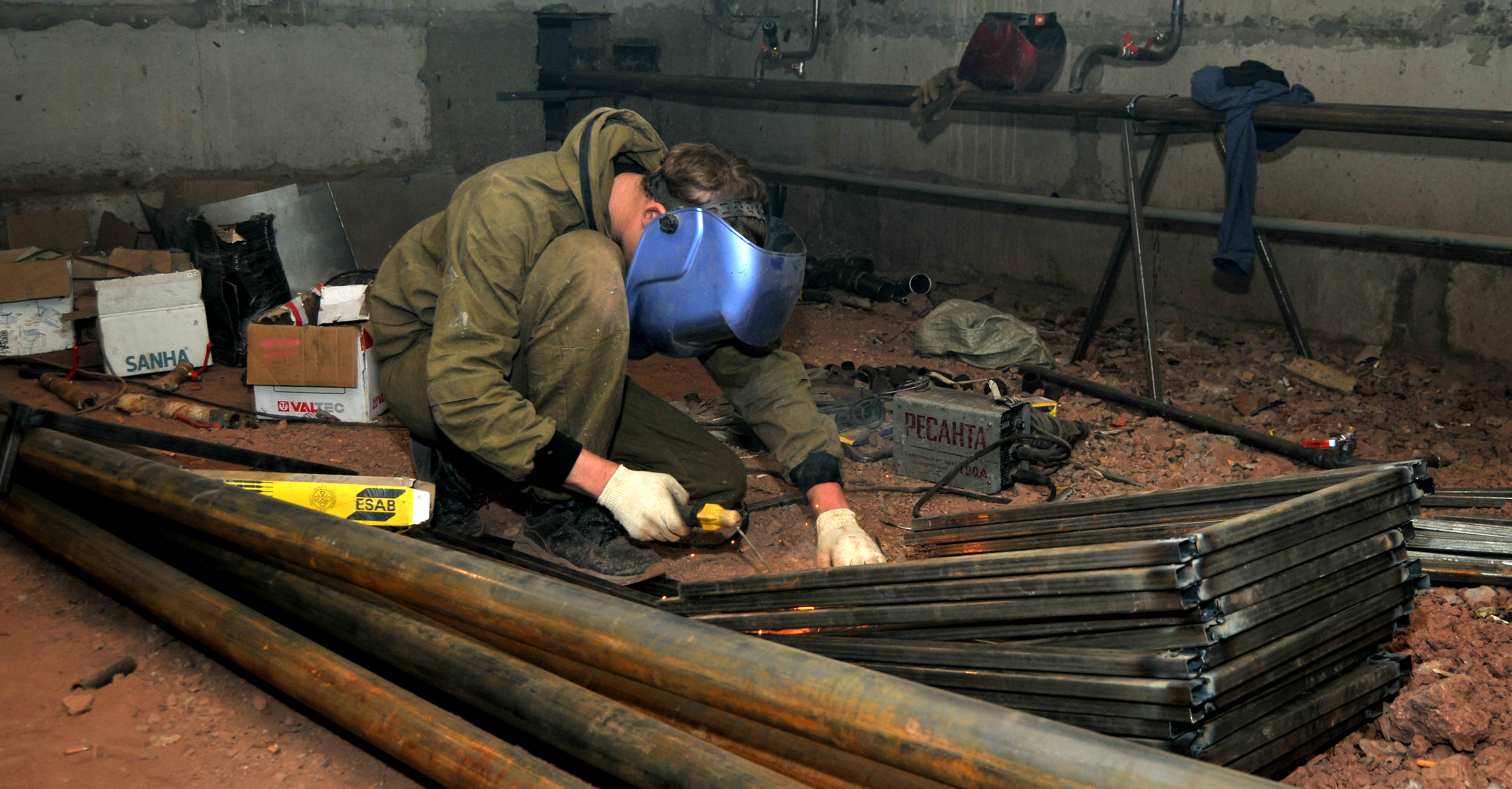 Жителям дома по ул. Кирова, 28 придётся подождать максимум 10 дней до включения тепла